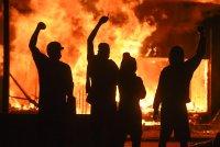Протестната вълна обхваща все повече градове в САЩ