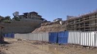 Екоактивисти протестираха срещу твърденията, че строежът на плажа на Алепу е подпора