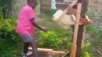 Наградиха 9-годишно кенийче за изобретението му