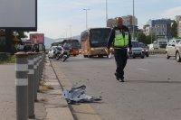 """снимка 5 Снимки от катастрофата на """"Цариградско"""": Разпилени части от мотора, ударен автобус"""