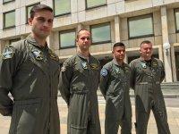 Първите четирима български пилоти заминават за обучение за F-16 в САЩ
