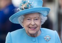 Kратка военна церемония за рождения ден на кралица Елизабет Втора