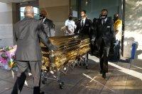 Америка се прощава с убития Флойд