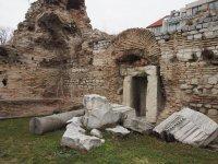 Находка в термите на Варна – мраморна плоча с поетичен надпис