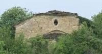Вековна църква се руши в село Големи Българени
