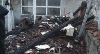 Щети за над 40 000 лв. е причинила мълнията, която подпали къща в село Каравелово