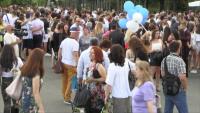 Радост за абитуриентите в Бургас - празнуваха в Слънчев бряг, въпреки мерките