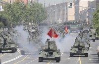 снимка 1 На Червения площад в Москва репетират за парада (Снимки)