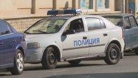 Солидно почерпени мъже стрелят с пистолет в Разград