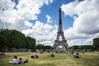 Айфеловата кула отново приема туристи