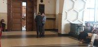 Оставиха за постоянно в ареста шофьора, блъснал жена в Самоков