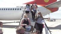 Лъч надежда за туризма: Първият полет чуждестранни туристи кацна на Летище Бургас