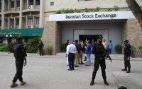 Въоръжени мъже атакуваха фондовата борса в Пакистан