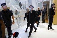 """Осъдиха бившия френски премиер Франсоа Фийон за скандала """"Пенелопигейт"""""""