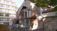 Започва проверка за причината за срутила се при съседен строеж къща