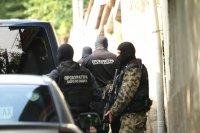 Задържаха приближени на Васил Божков, сред тях и бивш служител на МВР (ОБОБЩЕНИЕ)