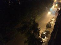 снимка 5 Мощна буря в София: Наводнени улици и закъсали коли