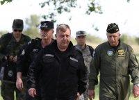 Каракачанов пак заговори за доброволна военна служба