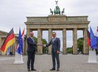 Меркел отново поема кормилото на Европа. Германия става ротационен председател на ЕС за 6 месеца