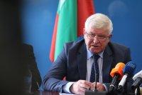 Ананиев предупреди: 200 болни на ден – сигнал, че трябва да се възстановят част от мерките