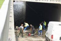 Щетите от снощния порой в София: улици, подлези и метростанции под вода, отнесени коли (ОБЗОР)