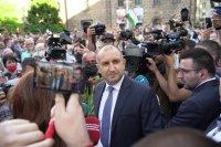 Румен Радев пред протестиращите: Да изхвърлим мафията от изпълнителната власт и прокуратурата
