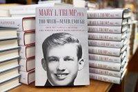 Племенница на Тръмп издаде книга, съветва чичо си да подаде оставка