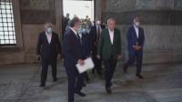 """Ердоган инспектира подготовката за първата молитва в """"Света София"""""""
