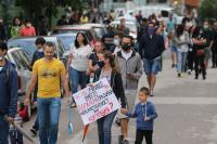 """Протест в """"Манастирски ливади"""": Граждани искат общинска детска градина, а не частно училище"""