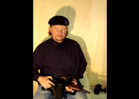 Мъж похити автобус в Украйна. Твърди, че има оръжие, гранати и две бомби