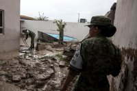 снимка 11 Наводнения, боклуци и разрушени пътища след урагана Хана в Мексико (Снимки)