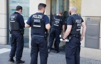 Атака над инкасо автомобил в Берлин – 11 души са ранени, обгазени