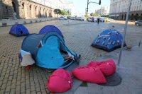 """снимка 4 22-и ден антиправителствен протест - остава палаткова блокада на Орлов мост и на бул. """"Цар Освободител"""""""
