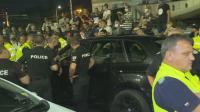 Един от протестиращите е откаран в болница с травма на крака