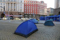 """снимка 1 22-и ден антиправителствен протест - остава палаткова блокада на Орлов мост и на бул. """"Цар Освободител"""""""