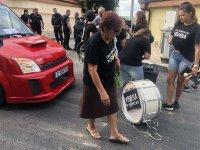 """снимка 1 Автошествието на майките от """"Системата ни убива"""" пристигна в Банкя"""