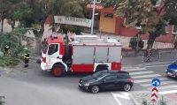 Силна буря в Благоевград, паднал клон на дърво блокира движението в центъра
