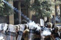снимка 2 Ал Джазира: Над 700 ранени при протестите в Бейрут (Снимки)