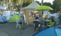 Трето денонощие блокада пред Община Варна