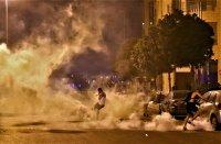 снимка 7 Ал Джазира: Над 700 ранени при протестите в Бейрут (Снимки)