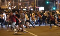 Протести и сблъсъци с полицията след президентските избори в Беларус
