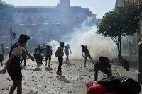 Сблъсъци по време на протести в Бейрут