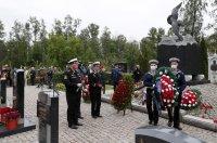 """С траурни церемонии Русия отбеляза 20 години от гибелта на """"Курск"""""""