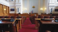 Експерти и политици разделени по темата нова конституция