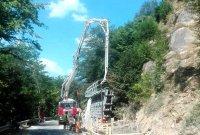 За улеснение на трафика: Спират ремонта на пътя до Рилския манастир заради два големи празника