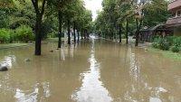 Продължава отводняването след пороя в Благоевград