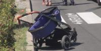 Лек автомобил блъсна майка с бебе на пешеходна пътека в Бургас