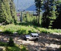 снимка 4 Въпреки забраната - джипове към Седемте рилски езера