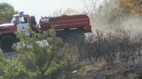 Военни се включиха в гасенето на пожара край Свиленград