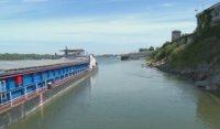 Машини отново поправят плавателния път по река Дунав